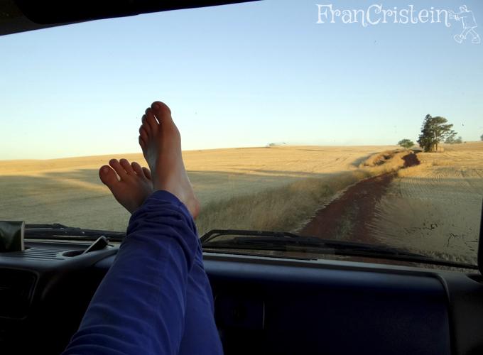 A coturno encheu de palha, daí dei um descanso pros pés. (calço 37-38, pra quem ficou pensando) :B