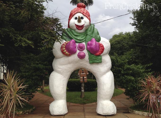 Boneco de neve PERNUDO