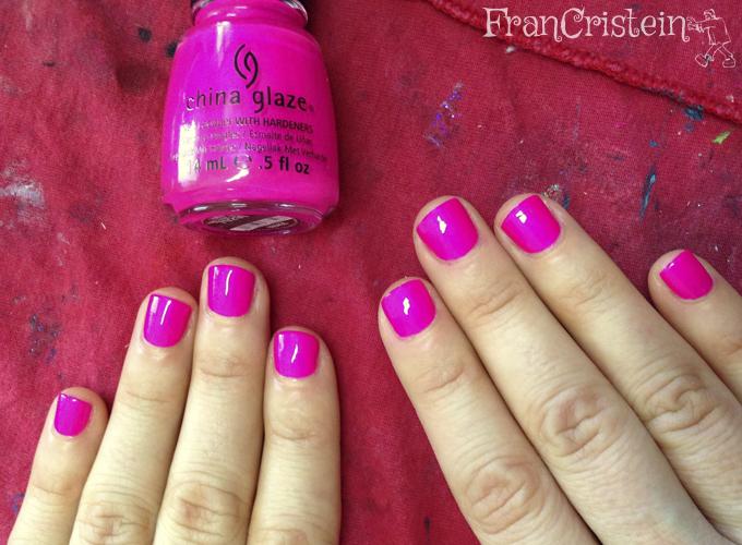 China Glaze - Purple Panic (2 camadas)