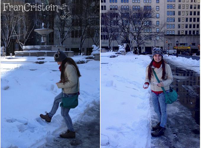 A criança brincando na neve, nada mais hahaha