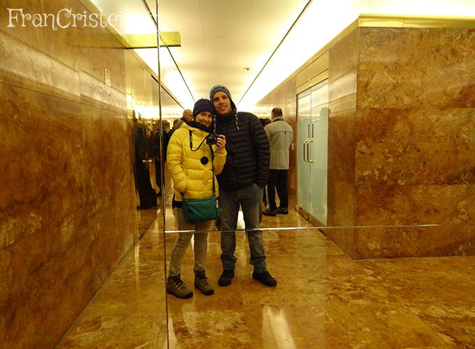 Dentro da Trump Tower, só porque tem banheiro público chique