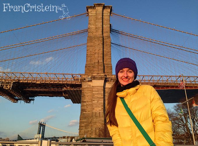 Eu feliz demais no pôr-do-sol na ponte do Brooklyn <3