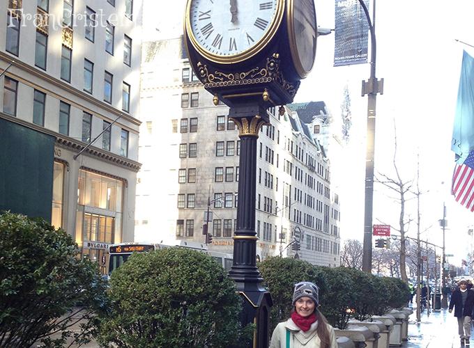 Relógio em frente a Trump Tower
