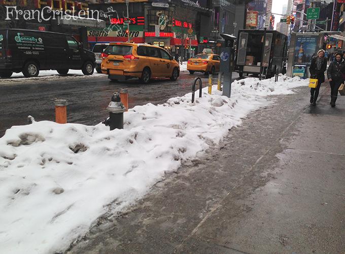 Neve derretendo e tudo ficando meio nojento