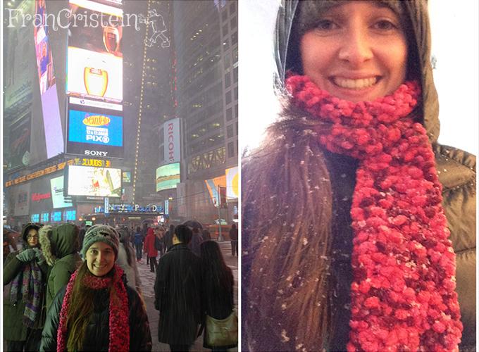 Times Square com MUITA neve caindo, coisa linda