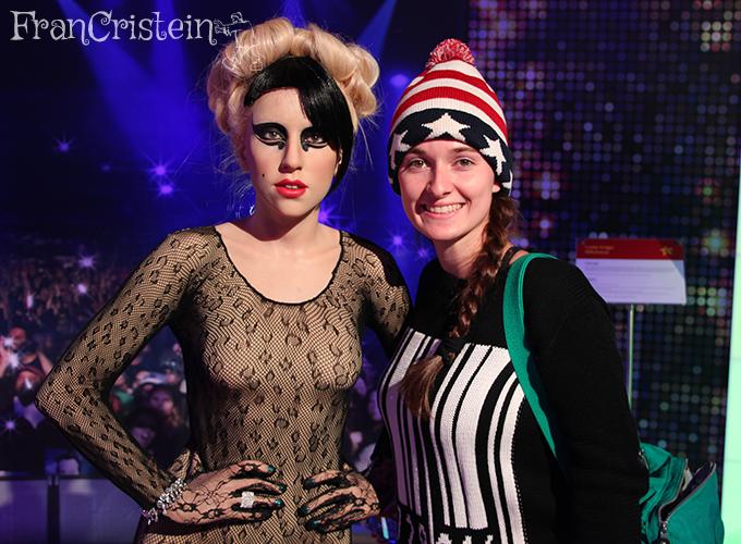 Lady Gaga muito igual e quase da minha altura \o/