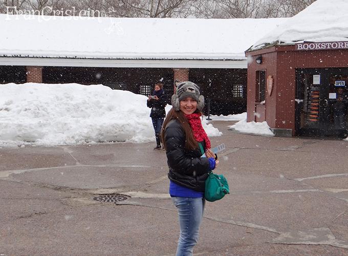 Eu felizona demais com a neve caindo!