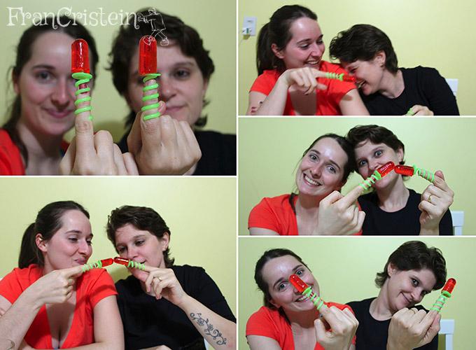 Pirulito de dedo, muito saboroso. Fizemos até pose de ET (risos)