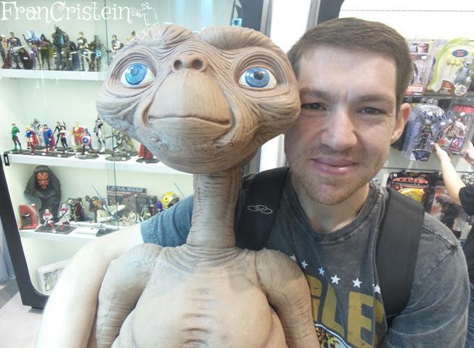 E.T. Casa... telefone...