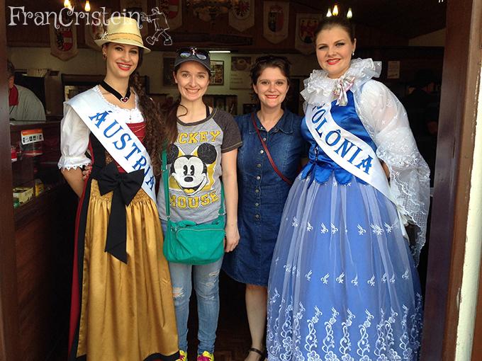 Moças altas da Áustria e da Polônia