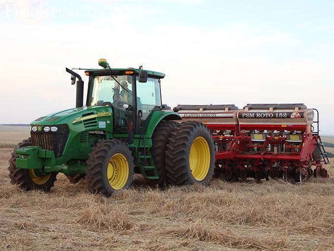 John Deere 7815 e sua respectiva plantadeira PSM