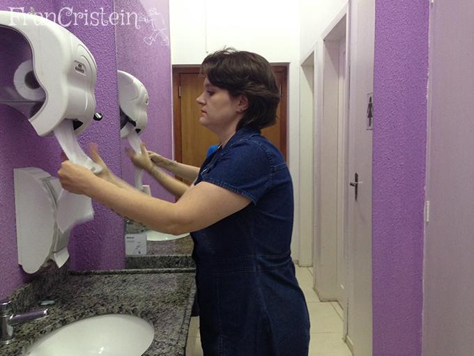 Lava essa mão fia