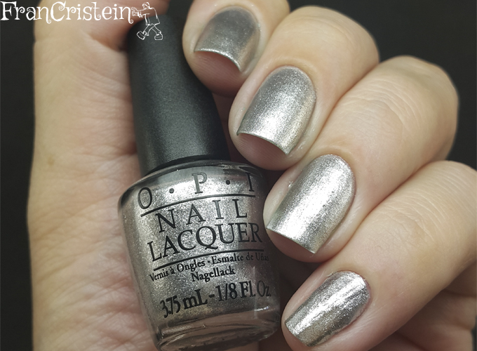 Opi Turn on the haute light (1)