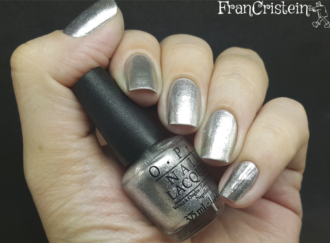 Opi Turn on the haute light (2)
